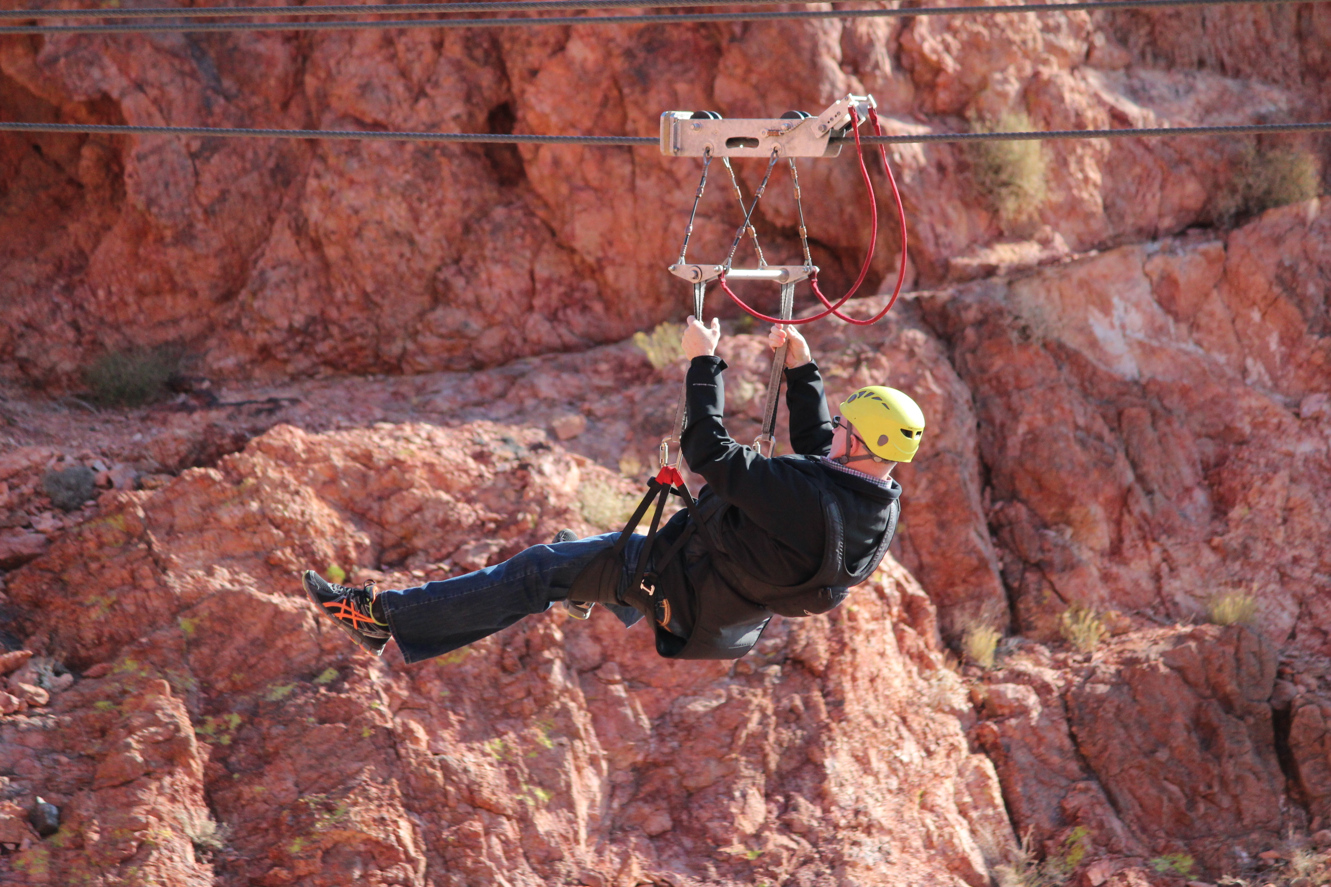 helicopter tours of grand canyon with Flightlinez Bootleg Canyon Zipline Adventure And Grand Canyon Flight on helicoptervluchtgrandcanyon besides hooverdamtour pany as well Grand Canyon Skywalk Express Helicopter Tour further Buswrboat in addition Celine Dion.