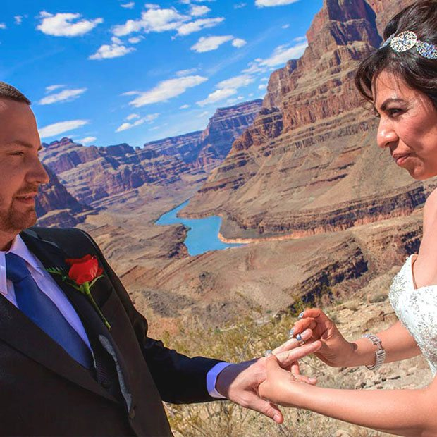 GRAND CANYON FLOOR LANDING HELICOPTER WEDDING CEREMONY PACKAGE