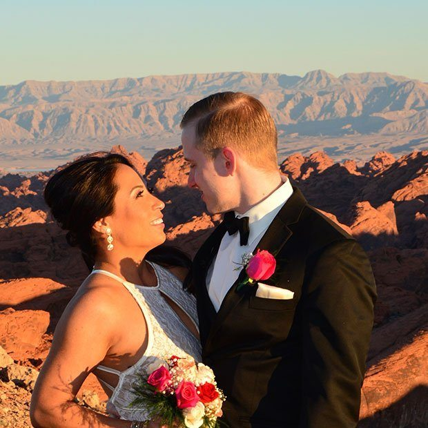 GRAND CANYON HELICOPTER AND VALLEY OF FIRE WEDDING CEREMONY PACKAGE